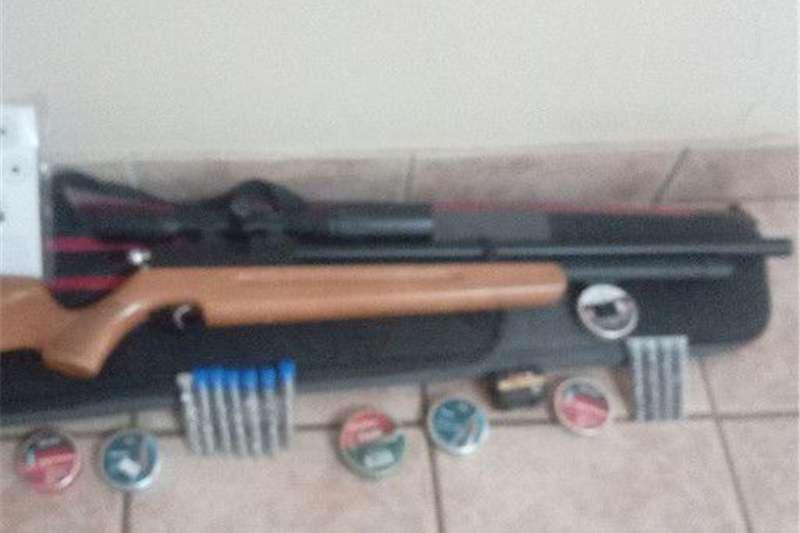 Wildlife and hunting Guns and rifles 2000