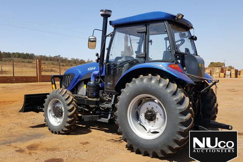 YTO YTO 1204 6 CYLINDER TRACTOR WITH BLADE ATTACHMENT Tractors