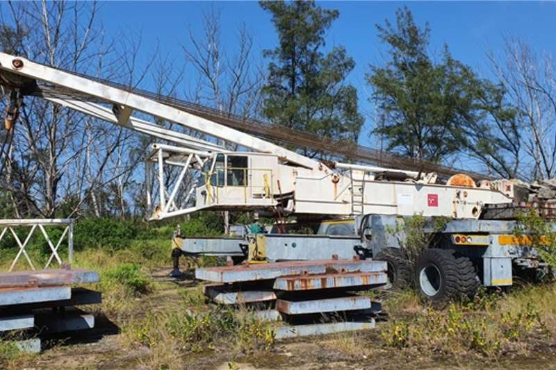 Altec Cranes Mobile Lattice Boom Crane