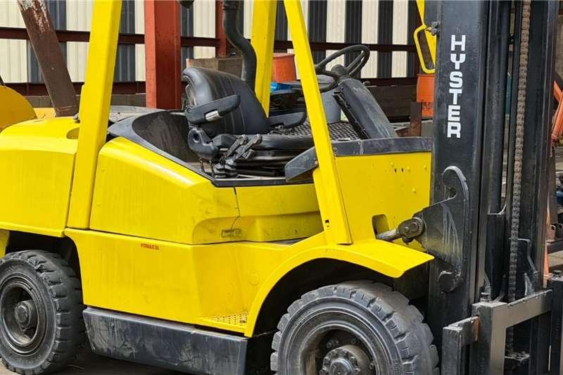 Apache Diesel forklift HYSTER 4 TON DIESEL Forklifts