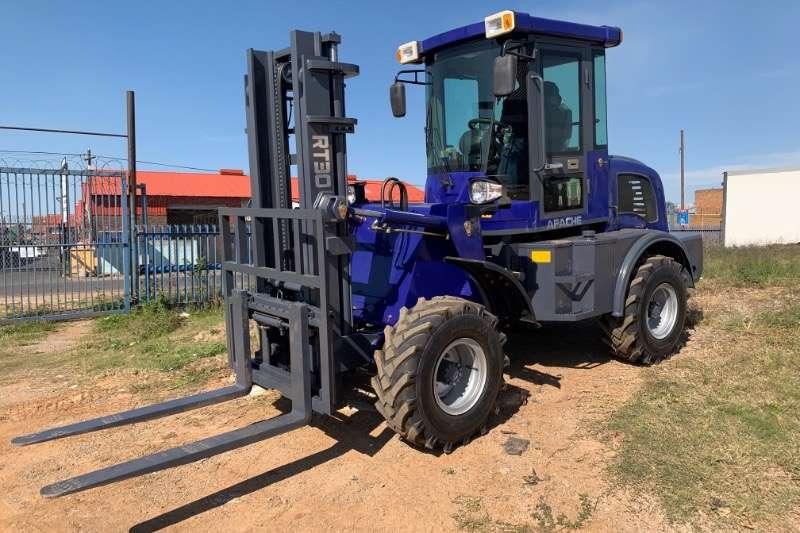 Apache Diesel forklift RT30 3 TON 4X4 ROUGH TERRAIN (BRAND NEW) Forklifts