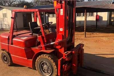 Apache Forklift Rhino Heli 4,5 Ton Forklifts