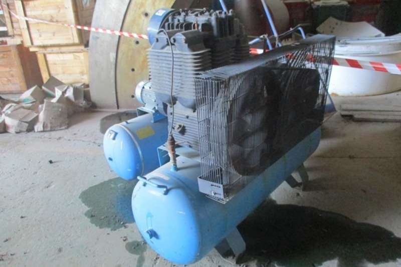 Atlas Copco Compressors Superair UT150   300, 10 Bar Air Compressor