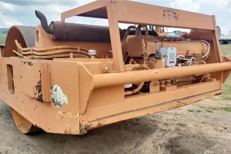 15 Ton Smooth drum Vibrating Roller Attachments