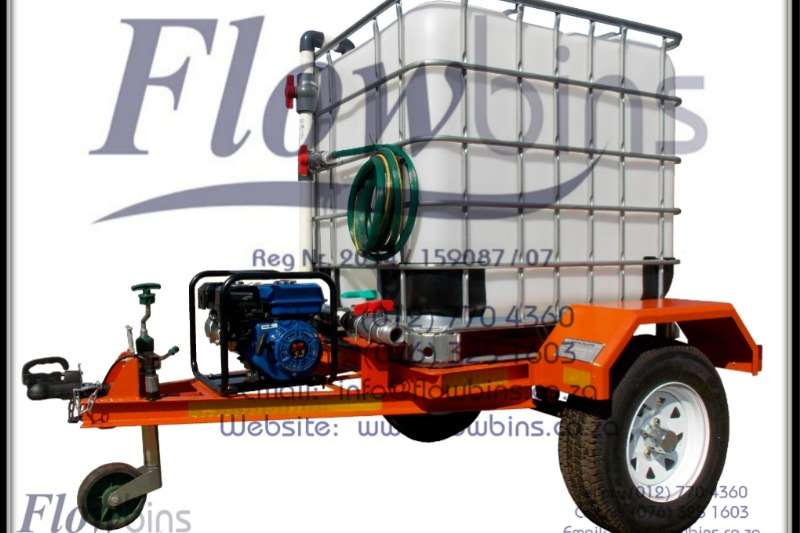 Farming NEW 1000L Fire Fighters / Water Bowsers   Multi Pu Attachments