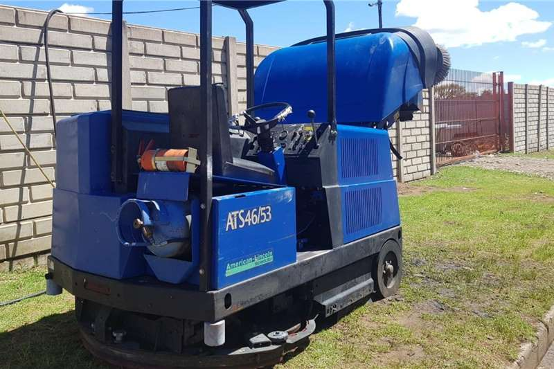 Road Broom Sweeper Scrubber