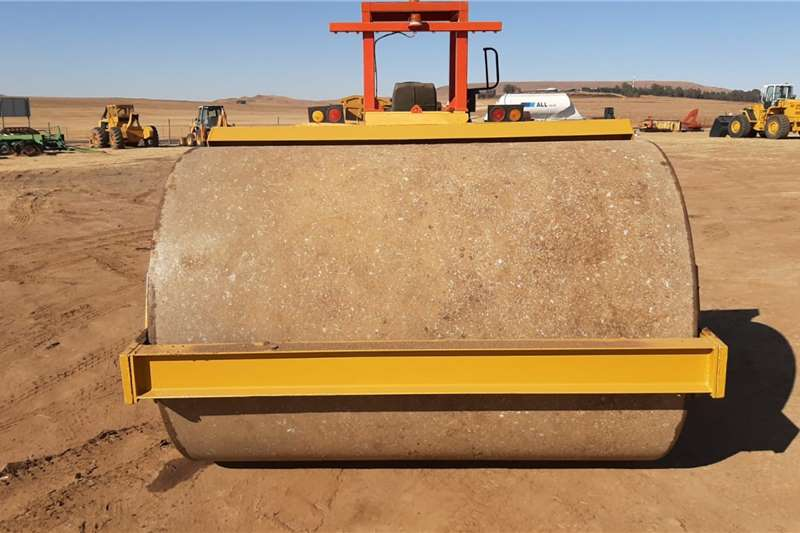Smooth drum Vibrating Roller Compactor Attachments
