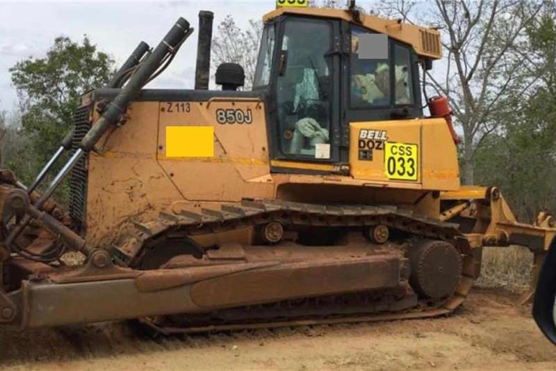 Bell 850J (View by appointment only) Dozers
