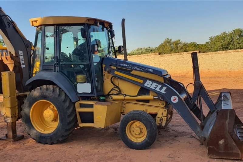 Bell TLBs 315SJ(4x2) Backhoe Loader 2011