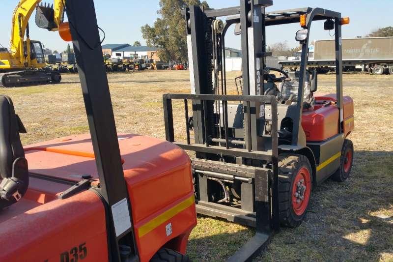 BTX Forklifts Diesel forklift BTX D35 2019