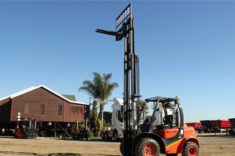 BTX Diesel forklift BTX RT 2.5 Rough Forklifts