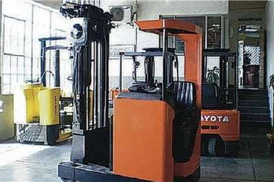 BTX Electric forklift BT REACH TRUCKS Forklifts