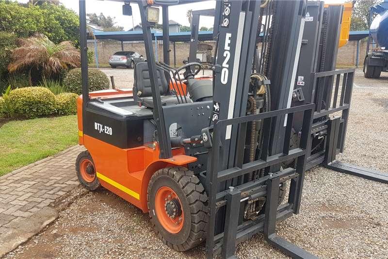 BTX Electric forklift BTX E2.0 Forklifts