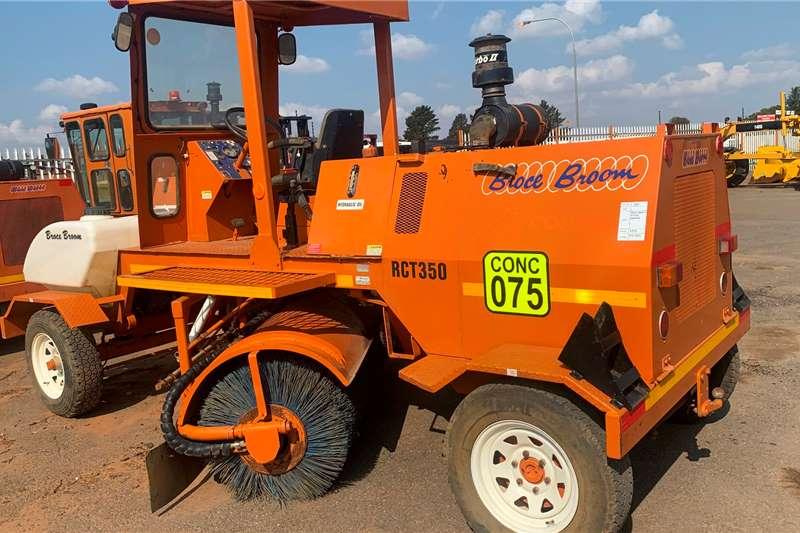 Bucher 2010 BROCE BROOM RCT350 SWEEPER Sweeper