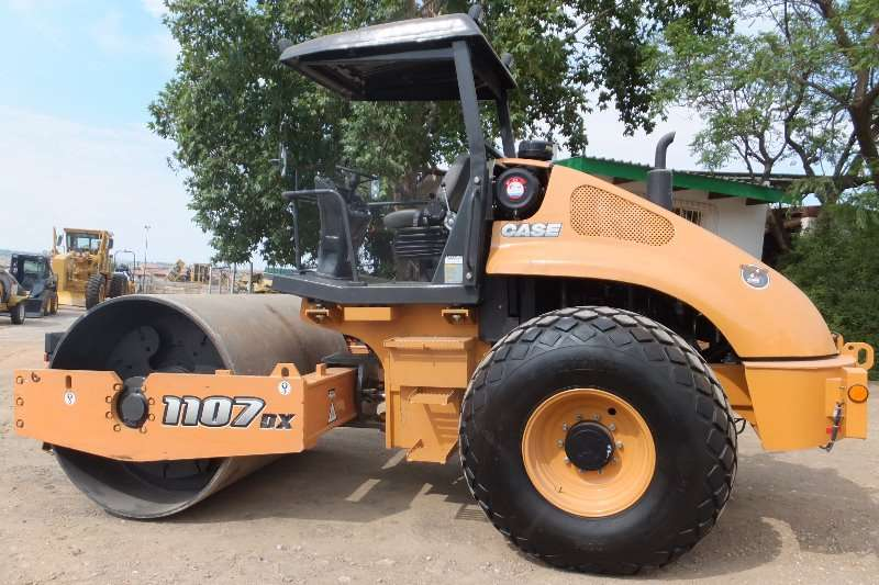 Case Rollers CASE 1107DX 2016