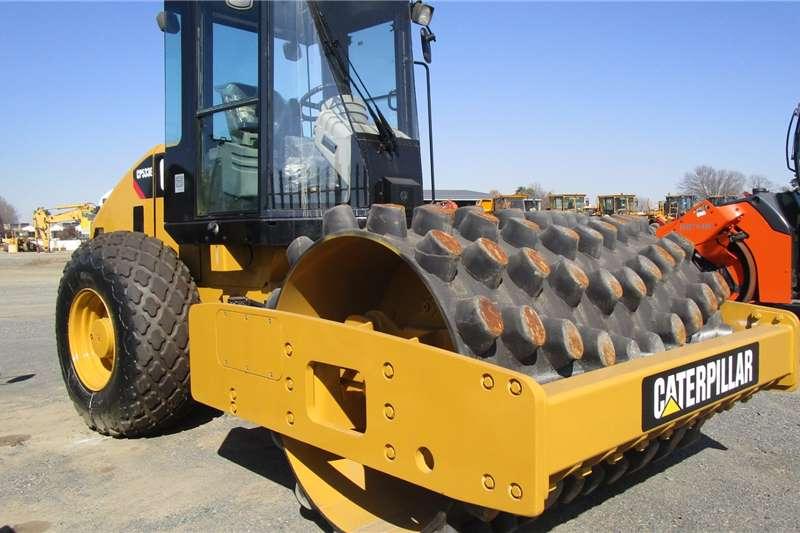 CAT CP533E Roller