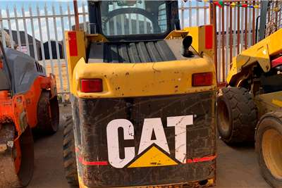 CAT 2006 CATERPILLAR 266B Skidsteers