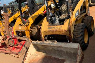 CAT 2015 CATERPILLAR 266B Skidsteers