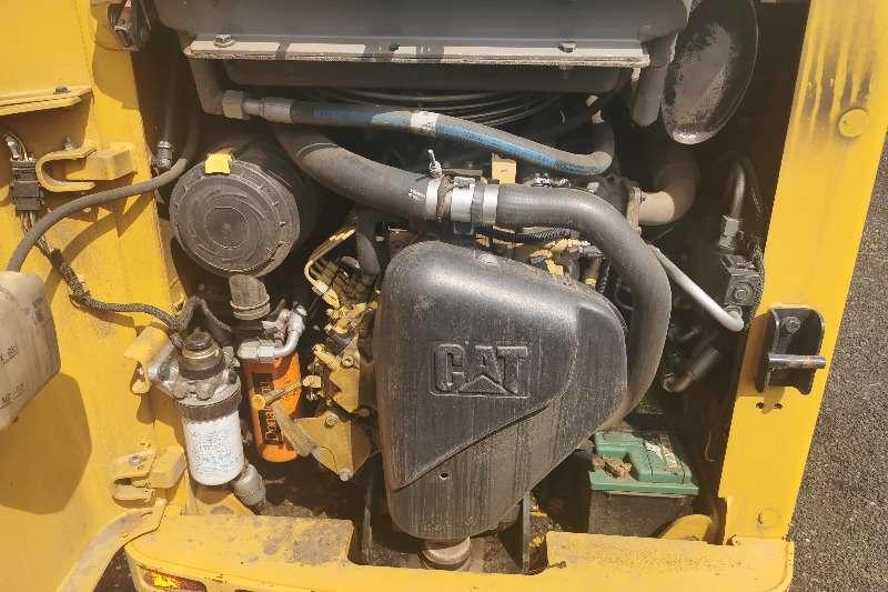 CAT 226B 3 Skidsteers
