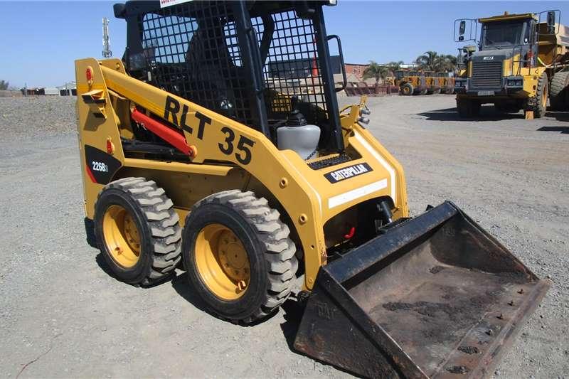 CAT 226B3 Skidsteers