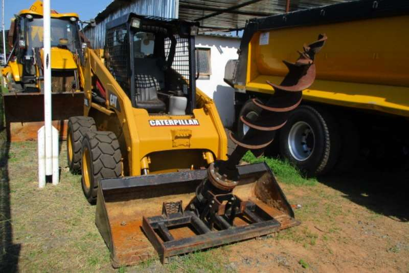 2012 CAT CATERPILLAR 246E SKIDSTEER WITH DRILL ATTACHMENT