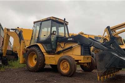 CAT CAT 424D TLBs