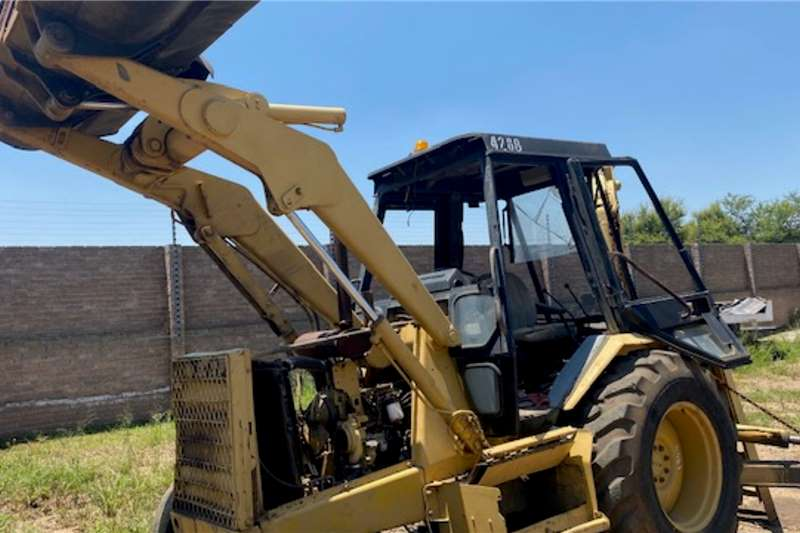 CAT Cat 428B Selling as is TLBs