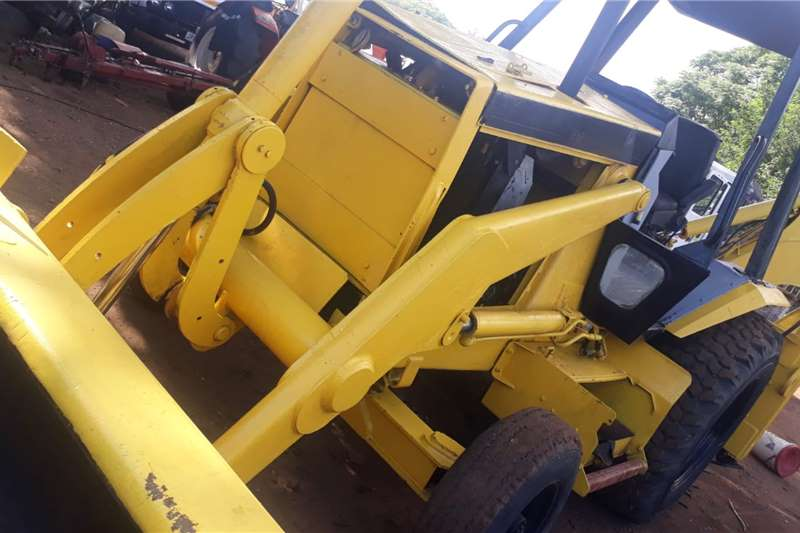 CAT CAT 428B  TLB  4X2 GOOD CONDITION TLBs