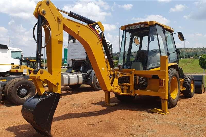 CAT TLBs Construction CAT 424D 4X4 TLB 2004