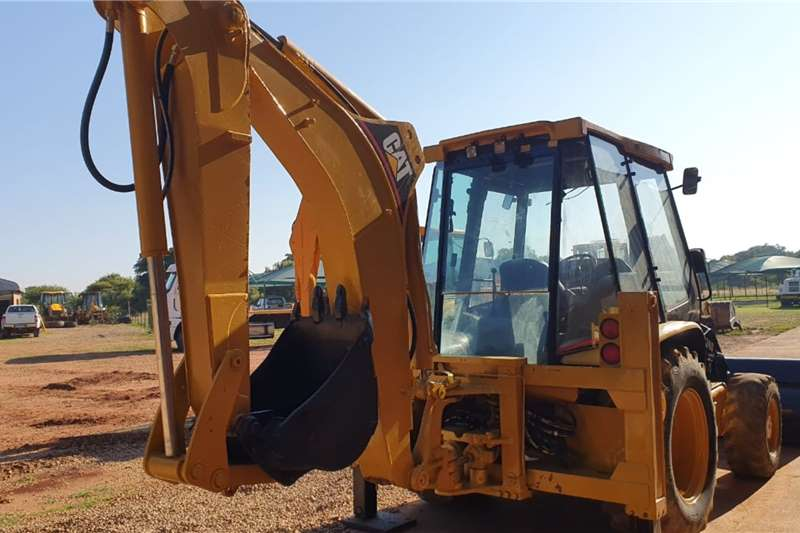 CAT TLBs Construction CAT 424D 4X4 TLB 2005