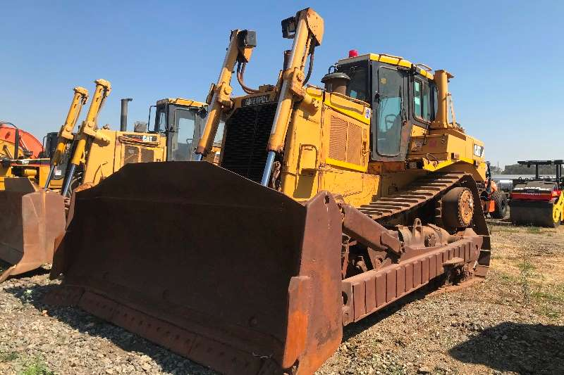 Caterpillar Dozers 2009 CAT D8R dozer 2009