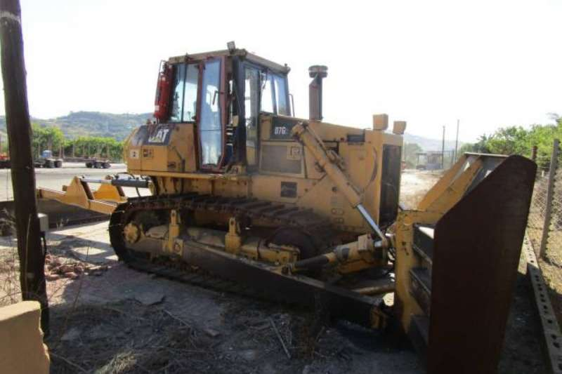 Caterpillar CAT D4H DOZER Dozers Machinery for sale in Gauteng on