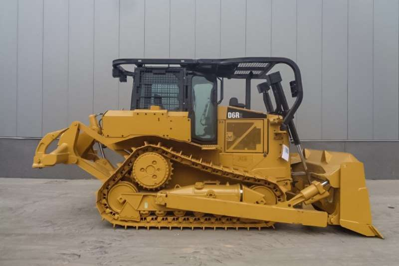 Caterpillar Dozers D6R2 Dozer with Ripper 2016