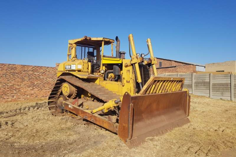 Caterpillar D7R CAT Dozer Dozers