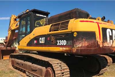 Caterpillar 2006 CAT 330D excavator Excavators