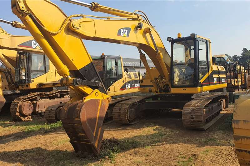 Caterpillar 322 Excavators