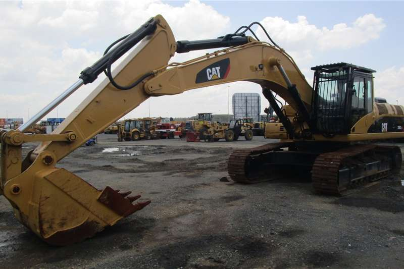 Caterpillar Excavators 330C 2004