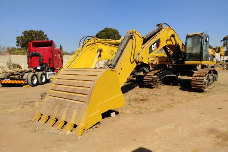 Excavators for sale in South Africa | AgriMag