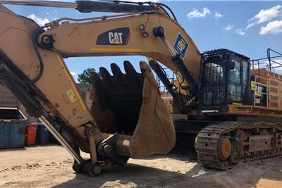 Caterpillar 390F Excavators