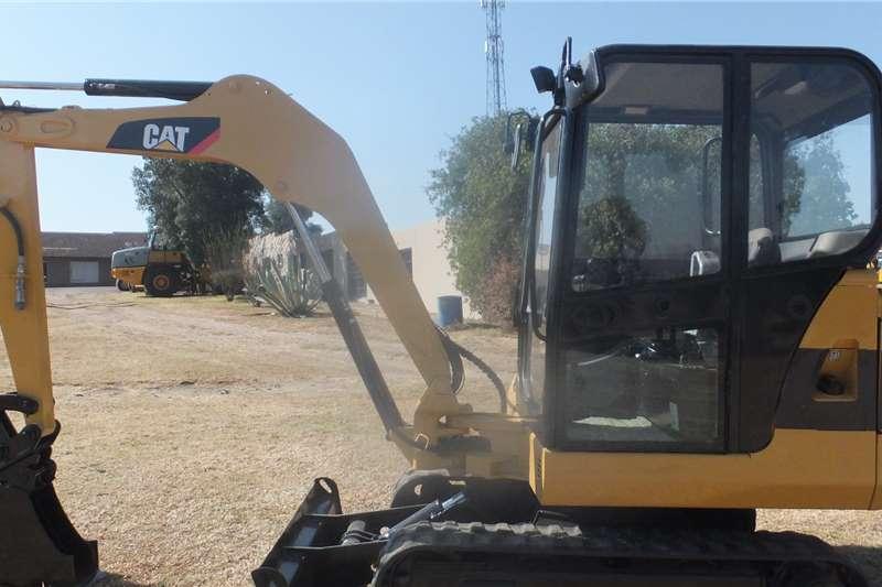 Caterpillar Mini Cat 302,5 Excavator Excavators