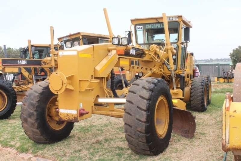 Caterpillar Graders 140H Grader 2003