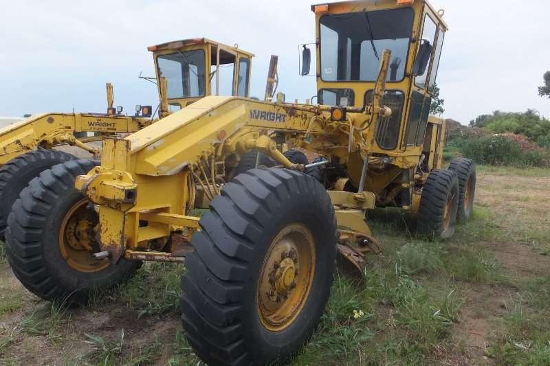 Caterpillar Graders 2x 120G Motor Graders