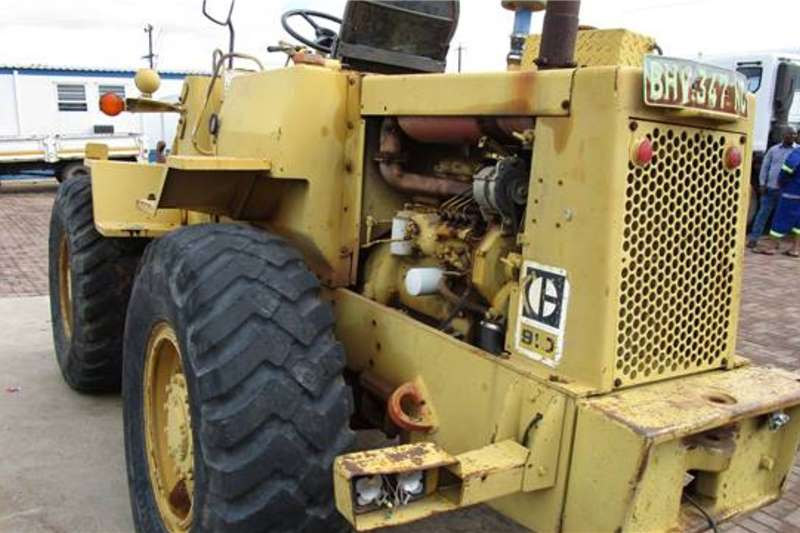 Caterpillar Loaders Caterpillar 910 Front End Loader