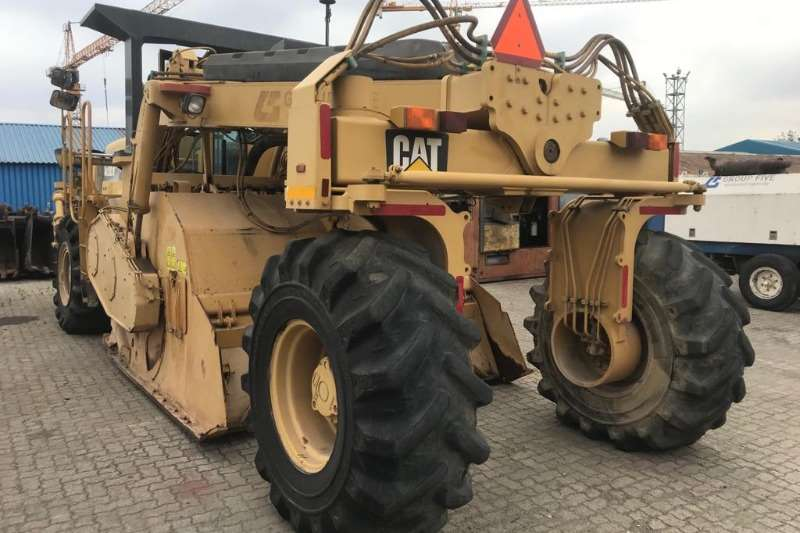 Caterpillar Reclaimer CATERPILLAR RM500 RECLAIMER/ SOIL STABILIZER 2010