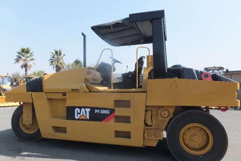 Caterpillar Rollers Cat PC-300 PTR 2009