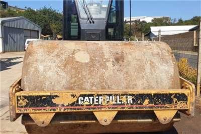 Caterpillar CS533E Rollers