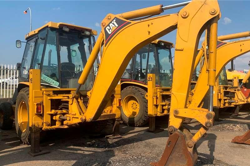 Caterpillar 2003 CATERPILLAR 424D 4X2 TLBs