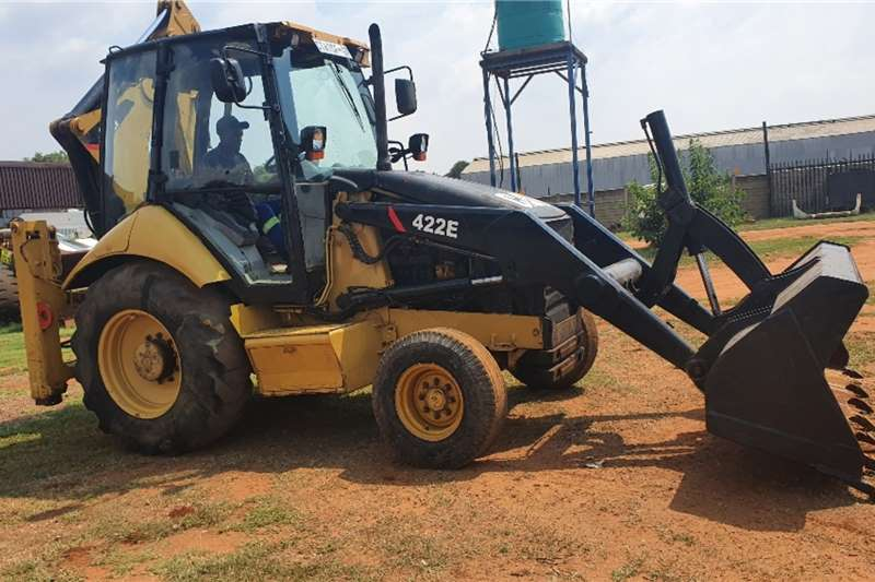 Caterpillar TLBs Construction 422E (4x2)   2 available 2006
