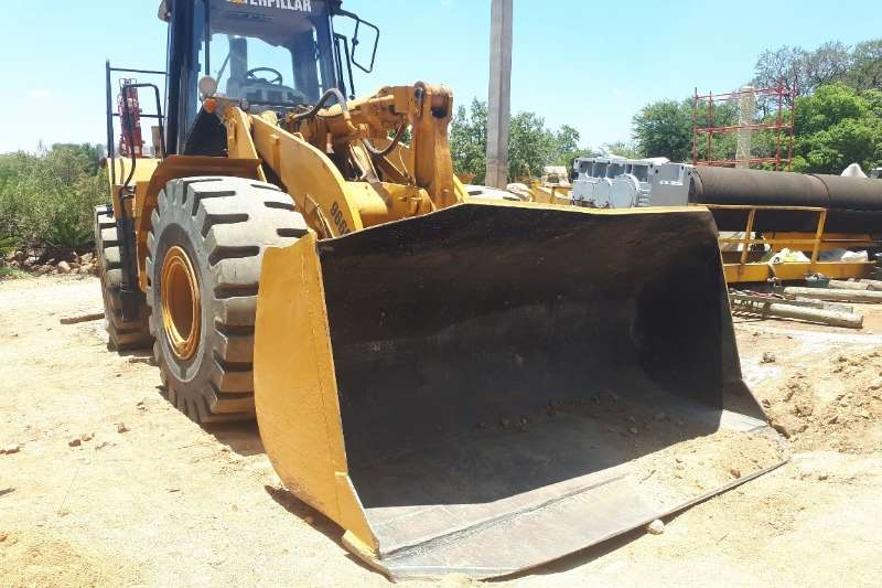 Caterpillar Wheel Loader 966G Front End Loader 2005
