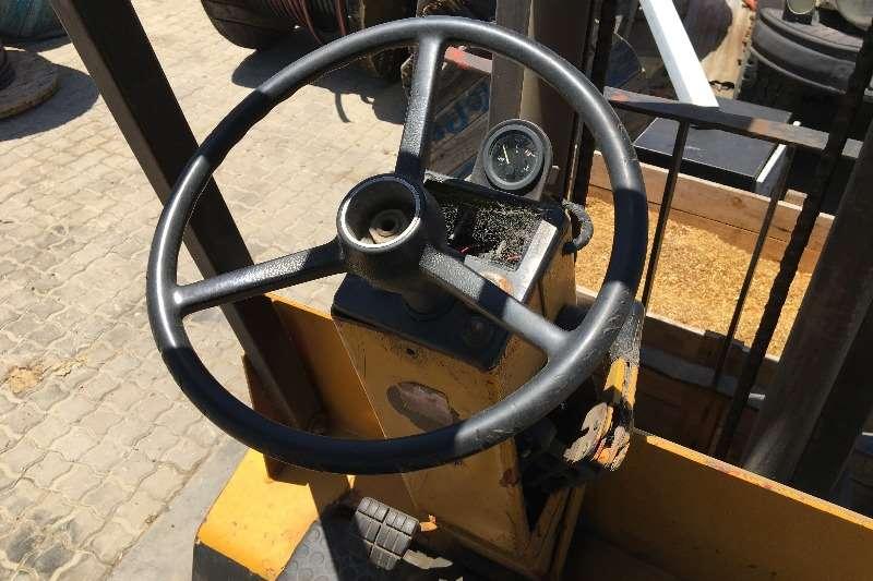 Clark Clark Forklift 2.5t Forklifts